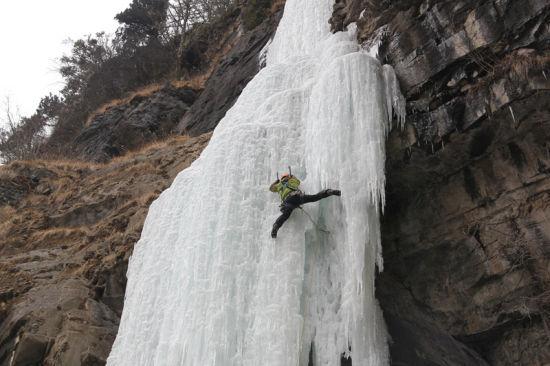寻找最美冰瀑桃源仙谷冰瀑