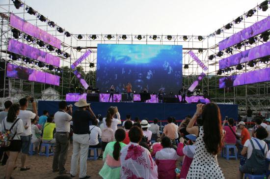 金石滩沙滩音乐节正式开唱