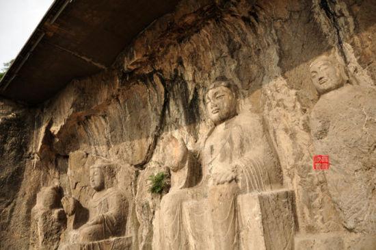 龙门石窟:洛水河畔的灿烂与落寞