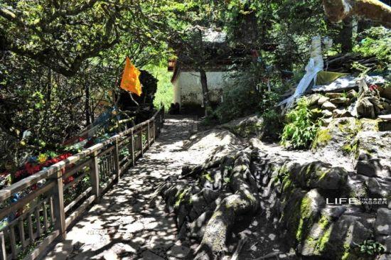 西藏秘境巴松措 千年的措宗寺