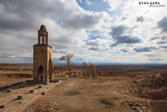 八台子村 长城与教堂并存的古村