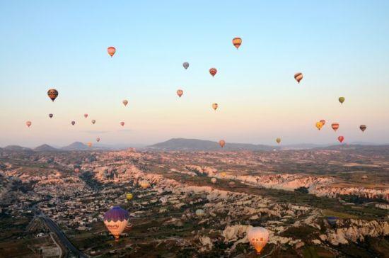 土耳其 月球小镇浪漫的热气球之旅
