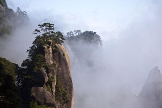 江西云蒸霞蔚壮丽的三清山(图)