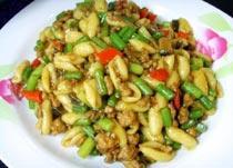 中国山西太原小吃:猫耳朵