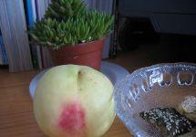 中国浙江溪口风味小吃:溪口水蜜桃