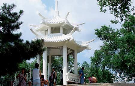 哈尔滨太阳岛景区:太阳山
