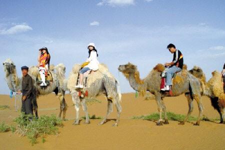 巴丹吉林沙漠:千里长驱大漠探险(图)