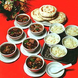 宁夏的著名小吃 蒸羊羔肉(图)