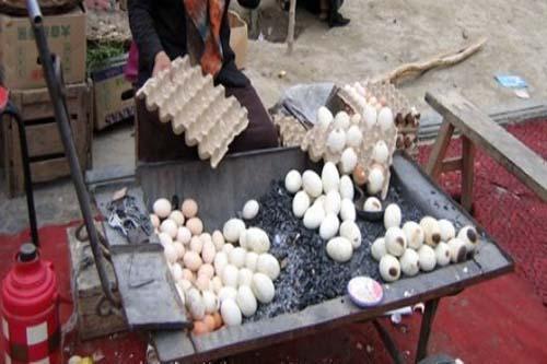中国新疆和田特色菜:烤鸡蛋