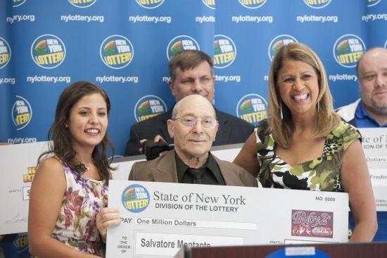 75岁的塞尔瓦托侥幸领走了100万美圆