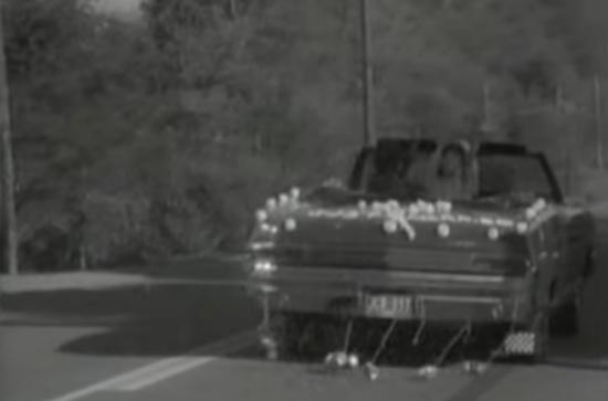库尔特的爱车在亚当斯的视频中登场