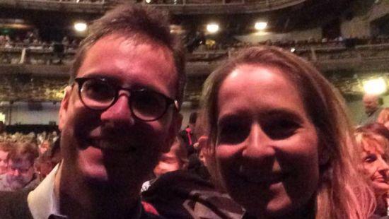 雷和汉娜相识于一场演唱会