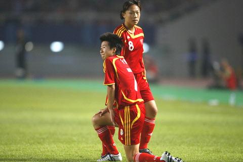 0比4再创中国女足耻辱纪录世界杯小组赛首尝败绩