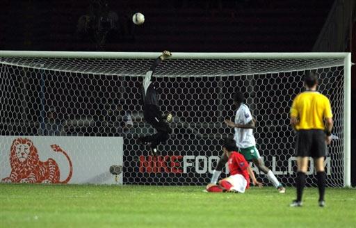 图文-[亚洲杯]韩国1-1沙特沙特门将精彩表现