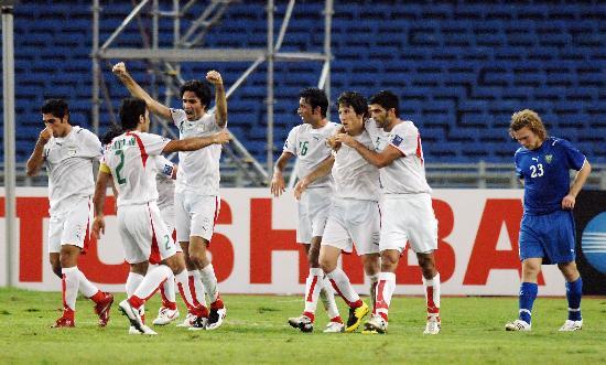 图文-[亚洲杯]伊朗2-1乌兹别克斯坦白色覆盖一切