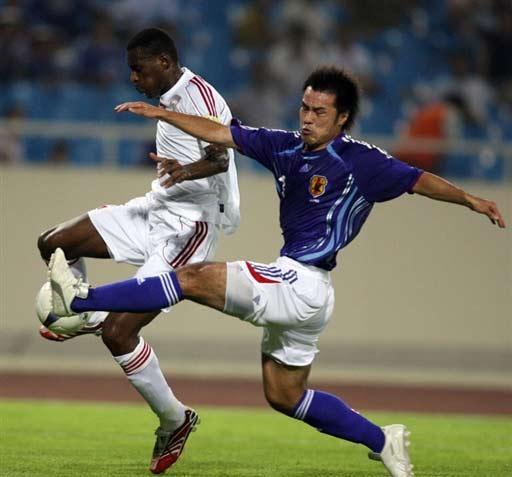 图文-[亚洲杯]阿联酋1-3日本逼抢动作有点凶狠