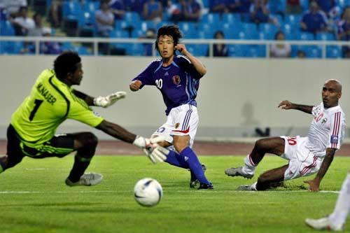 图文-[亚洲杯]阿联酋1-3日本门将无法挽回败局