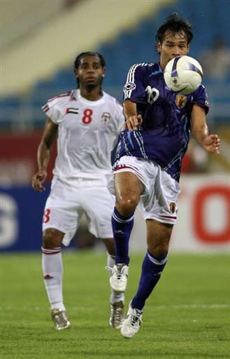 图文-[亚洲杯]阿联酋1-3日本日本队员差点手球