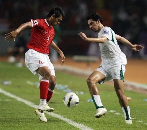 图文-[亚洲杯]沙特队2-1印尼队像是在跳桑巴