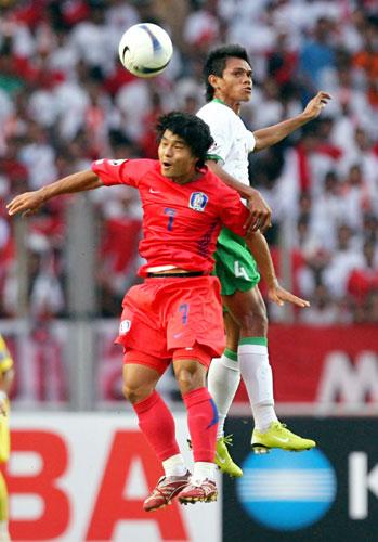 图文-[亚洲杯]韩国队VS印尼队崔成国表现抢眼