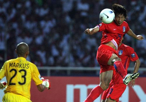 图文-[亚洲杯]韩国队1-0印尼队如此诡异的眼神