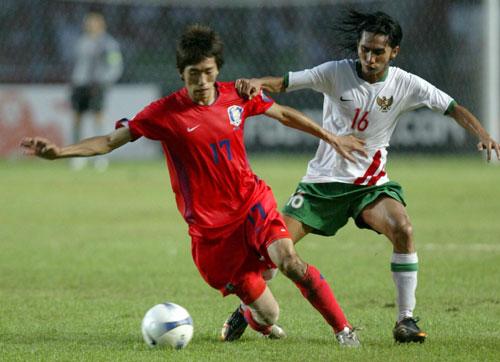 图文-[亚洲杯]韩国队1-0印尼队金正友果断突破