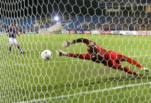 图文-日本点球大战5-4胜澳洲晋级中村俊辅罚进点球
