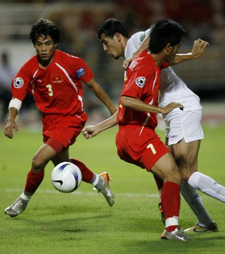图文-[亚洲杯]伊拉克队2-0越南队武如成如此单薄