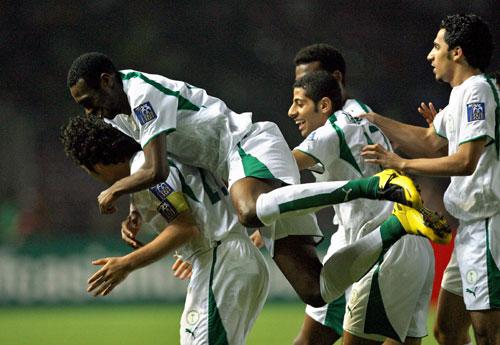 图文-[亚洲杯]沙特VS乌兹别克沙特队员庆祝进球