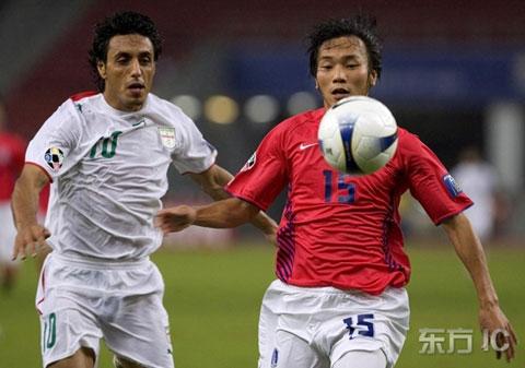 图文-韩国点球4-2伊朗晋级四强卡提比紧逼金致佑