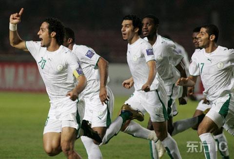 图文-[亚洲杯]沙特VS乌兹别克亚希尔庆祝进球