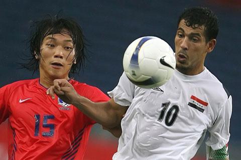 图文-[亚洲杯]伊拉克VS韩国尤尼斯停球表情古怪