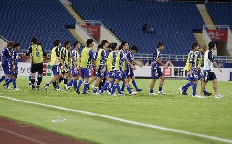 图文-沙特3-2胜日本挺进决赛日队员黯然退场
