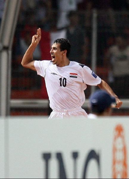 图文-[亚洲杯]伊拉克1-0沙特尤尼斯怒吼庆祝进球