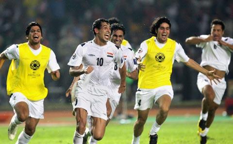 图文-[亚洲杯]伊拉克1-0沙特夺冠享受冠军喜悦