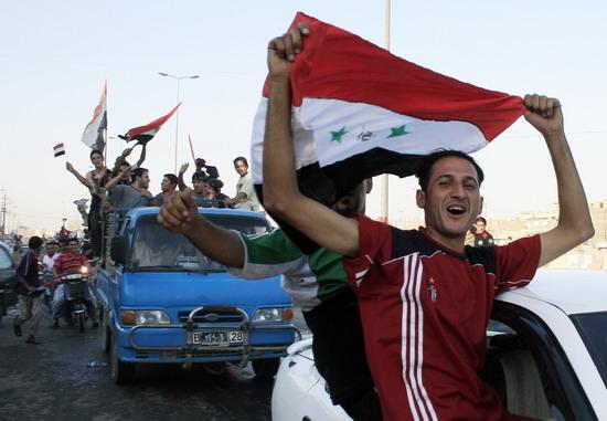 图文-伊拉克国民庆祝夺取亚洲杯狂热球迷涌上街头