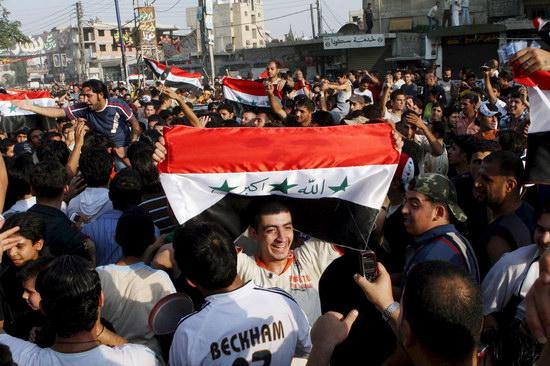 图文-伊拉克国民庆祝夺取亚洲杯城市街道人满为患