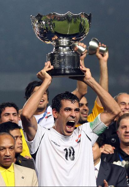 图文-伊拉克夺得亚洲杯冠军尤尼斯今日双喜临门