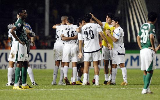 图文-伊拉克夺得亚洲杯冠军伊拉克众将欢欣鼓舞