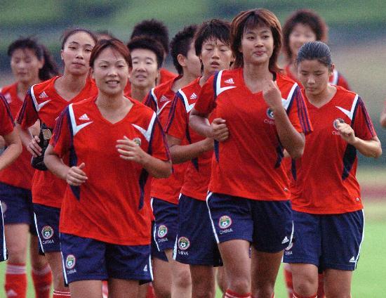 图文-中国女足加紧备战世界杯韩端领跑大军