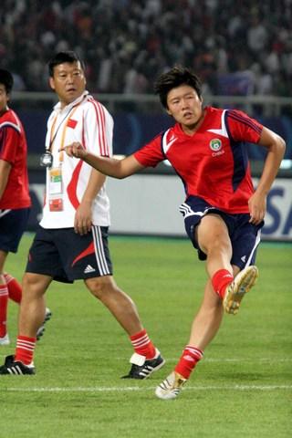 图文-[女足世界杯]中国VS巴西马晓旭大展脚法