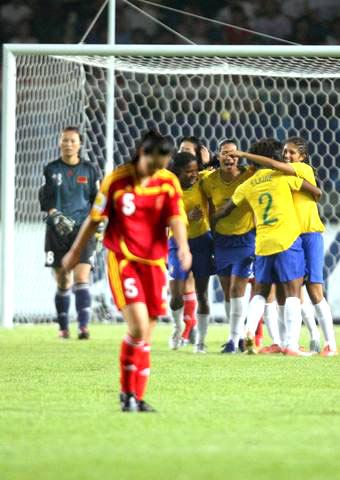 图文-[女足世界杯]中国VS巴西有人高兴有人愁