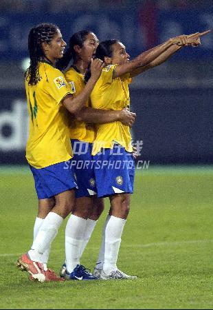 图文-[女足世界杯]中国0-4巴西巴西队员剑指冠军
