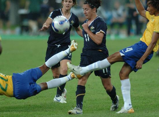 图文-巴西女足3-2淘汰澳大利亚全力阻截突破