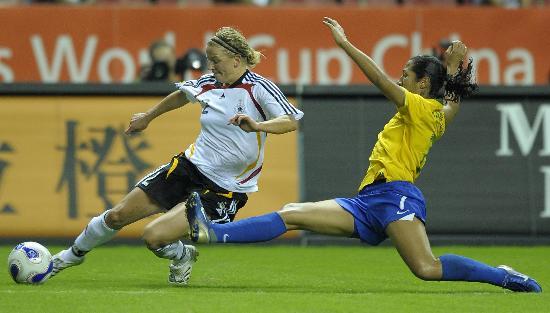 图文-[世界杯]德国女足2-0巴西斯特格曼身体占优