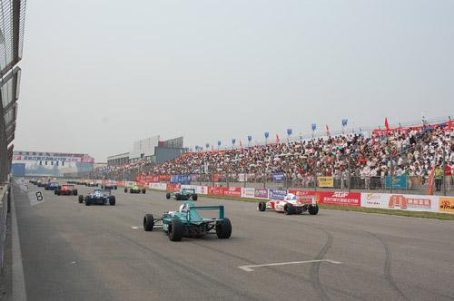 吉利方程式举办第二年车迷感叹AGF越来越像F1
