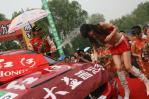 图文-CRC北京怀柔站比赛落幕徐浪香槟喷向赛车宝贝
