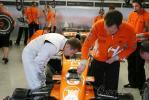 图文-F1斯帕试车三日(7.12)克莱恩了解转向控制