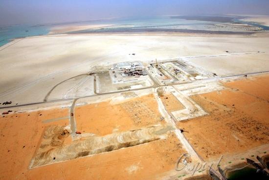 图文-建设中的阿布扎比F1赛道空中俯瞰赛道布局