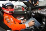 图文-F1车手驾街车纽堡做秀温克霍克挂档上路